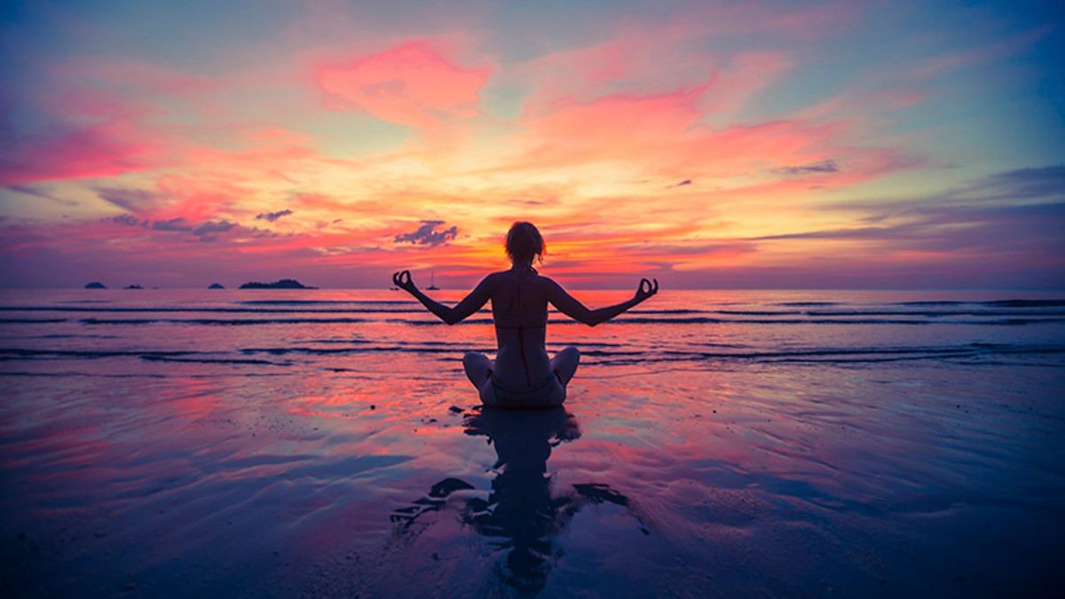 /var/www/html/wp-content/uploads/2018/10/sunset-meditation-mudra