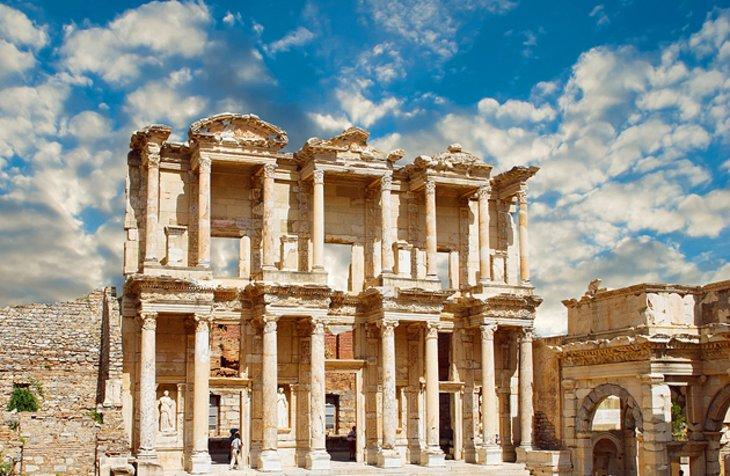 turkey-library-facade-ephesus