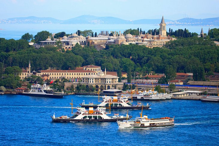 turkey-palace-view-from-marmara-sea-topkapi-palace