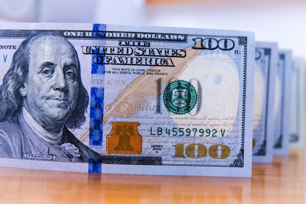 100-dollar-banknotes-benjamin-franklin-paper-america-cash-payment_50039-69